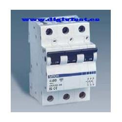 Interruptores auto TRIPOLAR  magnetotérmicos de 6 kA SIMON